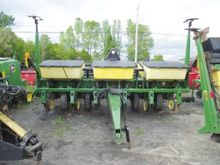 Used Planter in Cana