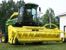 6710 and 6910 Forage harvester