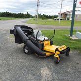 Hustlerturf Raptor Lawn tractor