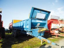 2001 Rolland 18 tonnes Spreader