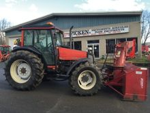 Valtra 900 Tractor