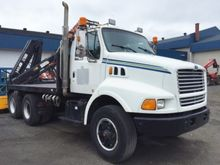 1997 Ford Louisville Camion