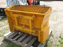 Normand S48-SP Salt Spreader