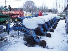 Monosem 8-row planter