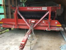 2012 Miller 7914 Windrow double