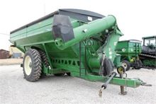 Brent Avalanche 1194 grain cart