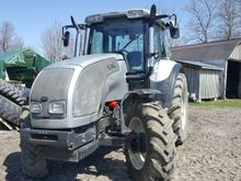2005 Valtra M120 Tractor