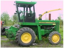 John Deere 5400 Self-Propelled