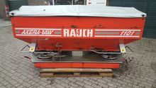 2002 Rauch 1101 fertilizer spre