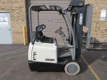 2000 Crown SC4020-30 Forklift