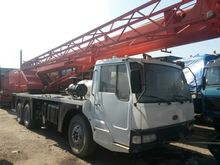 Used 2005 35 TONS in