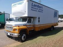 1992 FORD F700
