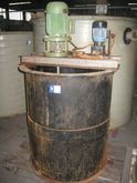 1 piece. PE mixing tank with ag
