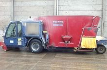 2008 DUO 16 self propelled feed