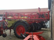 2000 Spidotrain trailed sprayer