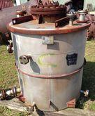 750 gallon Modern Welding, Tank