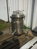 17 gallon Tolan, Jacketed Press