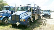 2000 KENWORTH T300