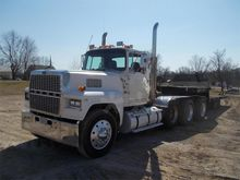 1977 Ford L9000 Tractor Unit