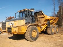 2001 Deere 350C Articulated Dum