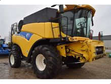 2004 New Holland CR980
