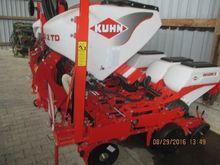 2015 Kuhn Maxima 2