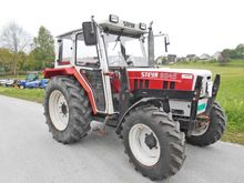 Steyr Traktor 4-Radantrieb 8045