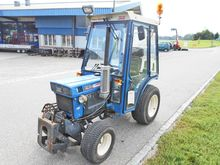 Iseki Traktor 4-Radantrieb TX 2