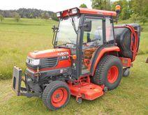 Kubota Traktor 4-Radantrieb STa
