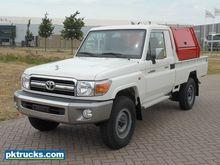 Toyota Land Cruiser HZJ79L #to3