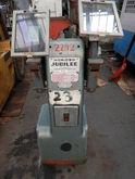 UNION 10″ Jubilee Pedestal Grin