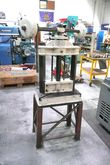 UKENDT Swing press
