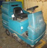 2002 TENNANT 7100