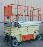 2001 JLG 3246ES