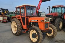 Tractor Universal 640 Dtc