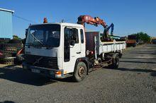 Volvo FL610 crane truck