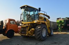 Combine New Holland FX48 forage