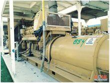 Kato 1050KW w/ Engine