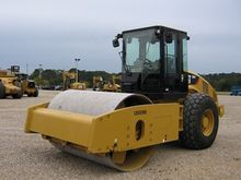 2012 CATERPILLAR CS64CAB