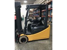 2012 CAT LIFT TRUCK 2ET4000
