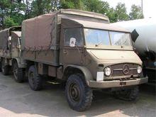 Unimog S 404 Army truck