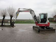 2005 Takeuchi TB 80FR Earth mov