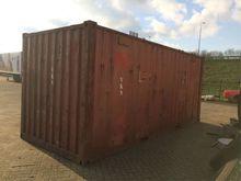 Zeecontainer met dieseltank Con