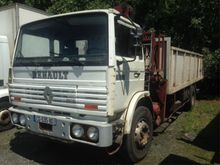 1985 Renault G260 Lorry with cr