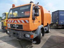 MAN 14.163 Sweeping Truck