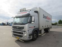 Volvo FM330 Closed box