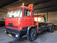 1981 FM2000DH525 Lorry with cra
