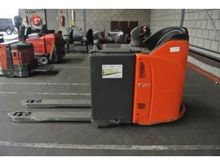 Used 2010 Linde T20