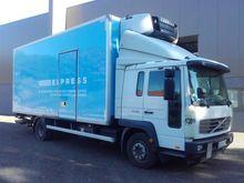 2005 Volvo FL6 Freeze truck wit