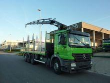 Mercedes Benz 2641 Truck Crane